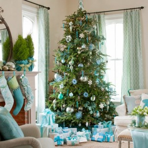 th_christmas-tree-decorations-icy-blue-decorations1
